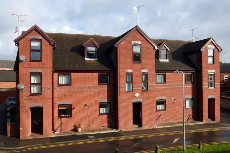 2 Bedrooms Apartment Flat for sale in Saul Court, Uttoxeter