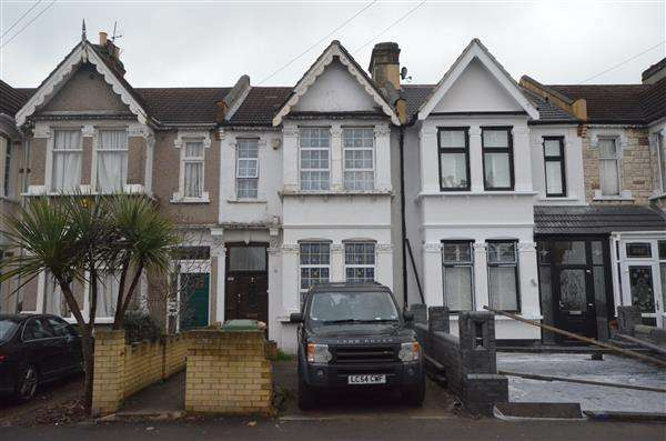 4 Bedrooms Terraced House for sale in Shrewsbury Road , E7