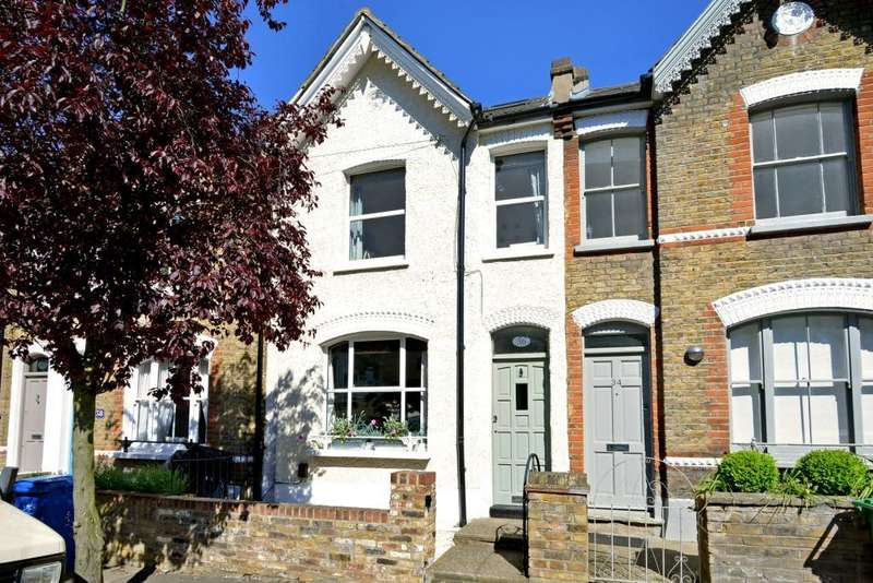 3 Bedrooms Terraced House for sale in Hichisson Road, Nunhead, London, SE15