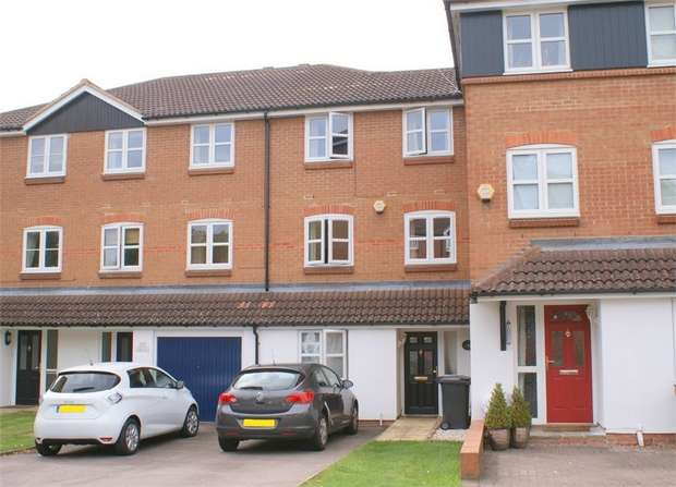 5 Bedrooms Town House for sale in Evans Wharf, Apsley Lock, Hemel Hempstead, Hertfordshire