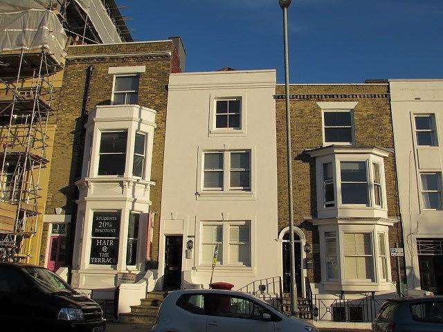 1 Bedroom Flat for sale in Parkview Apartments, Hampshire Terrace, Southsea, PO1