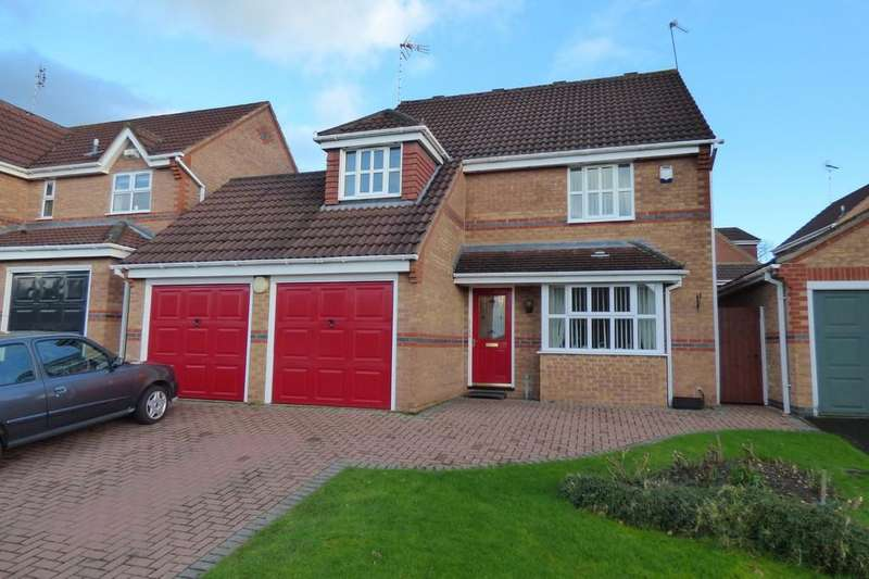 4 Bedrooms Detached House for sale in Robin Close, Uttoxeter, ST14 8TP