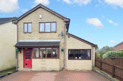 3 Bedrooms Detached House for sale in Caister Avenue, Chapeltown, Sheffield, South Yorkshire