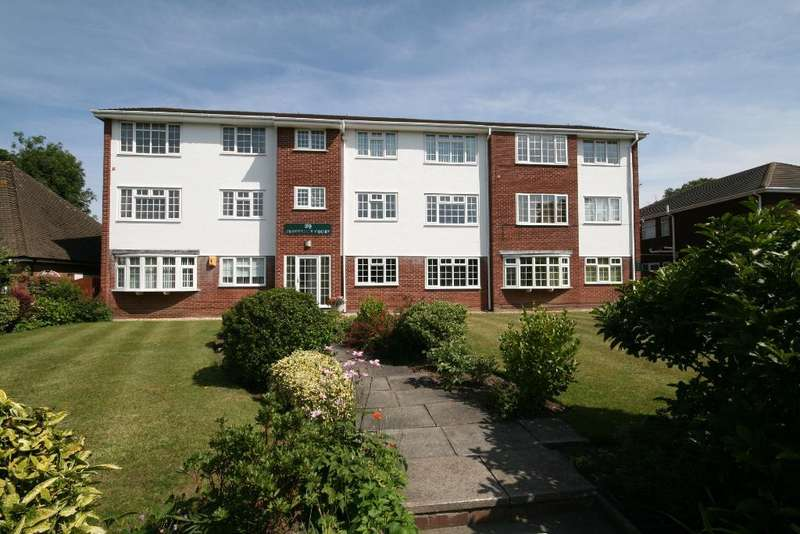 2 Bedrooms Flat for sale in Grosvenor Road, Birkdale, Southport, PR8 2ES