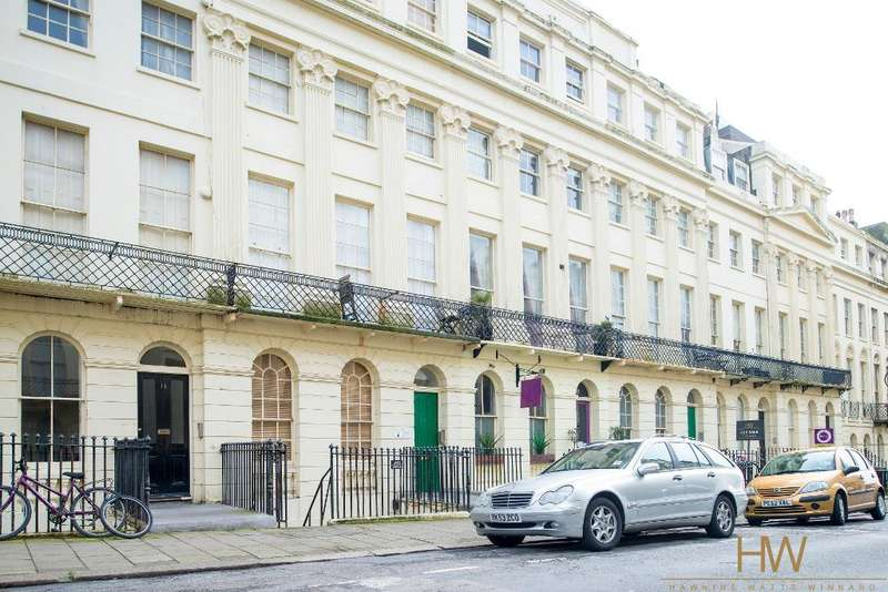 Apartment Flat for sale in Oriental Place, Brighton, East Sussex, BN1 2LJ