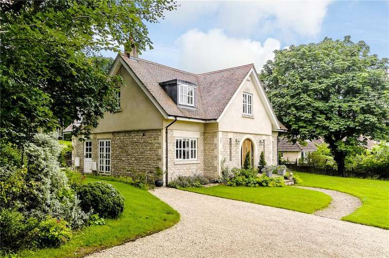 4 Bedrooms Detached House for sale in Richmond Heights, Bath, Somerset, BA1