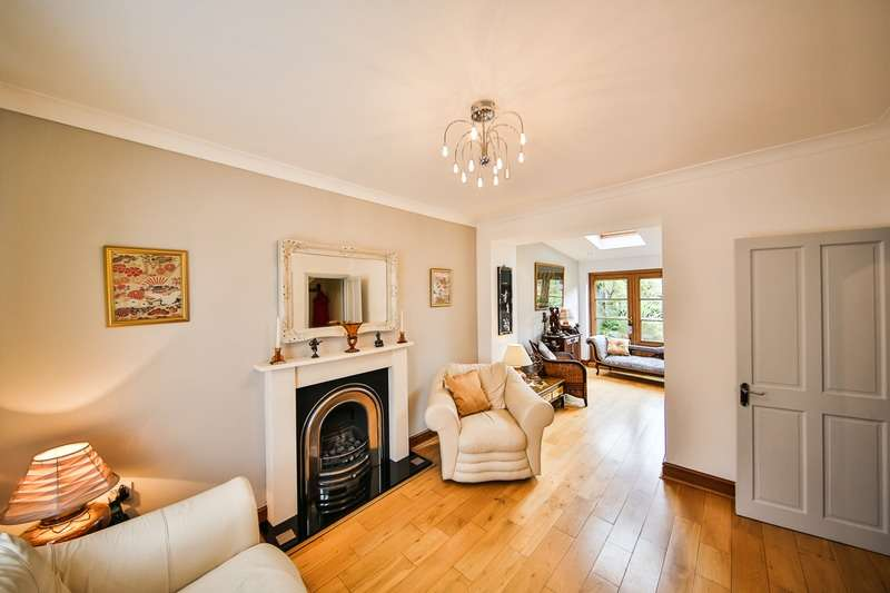 3 Bedrooms Detached House for sale in Llwydcoed Road, Aberdare, Rhondda Cynon Taf, CF44