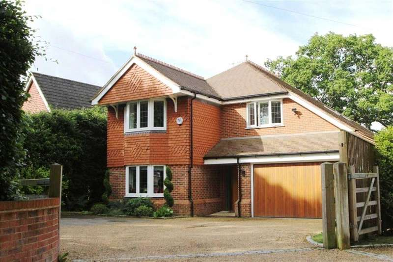 4 Bedrooms Detached House for sale in Guildford Road, Cranleigh, Surrey, GU6