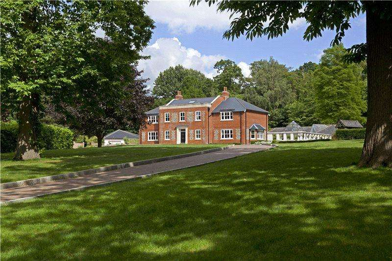 6 Bedrooms Detached House for sale in Manor Lane, Fawkham, Kent, DA3