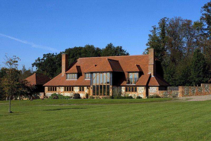 5 Bedrooms Equestrian Facility Character Property for sale in Kentons Lane, Upper Culham, Reading, RG10