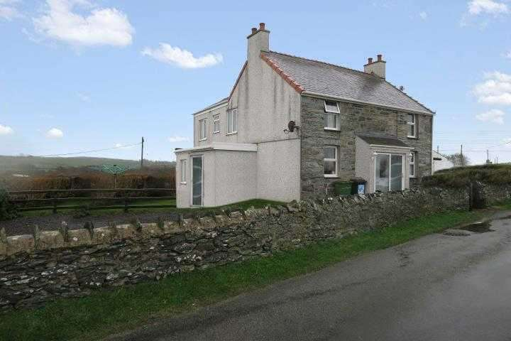 4 Bedrooms Detached House for sale in Tralee, Llanfechell