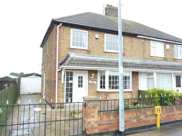 3 Bedrooms Semi Detached House for sale in SPRINGBANK, GRIMSBY