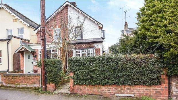 4 Bedrooms Semi Detached House for sale in Upper Village Road, Sunninghill, Berkshire