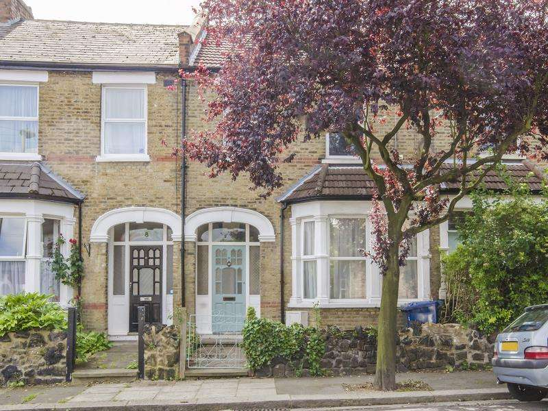 3 Bedrooms Terraced House for sale in Brighton Road, N2