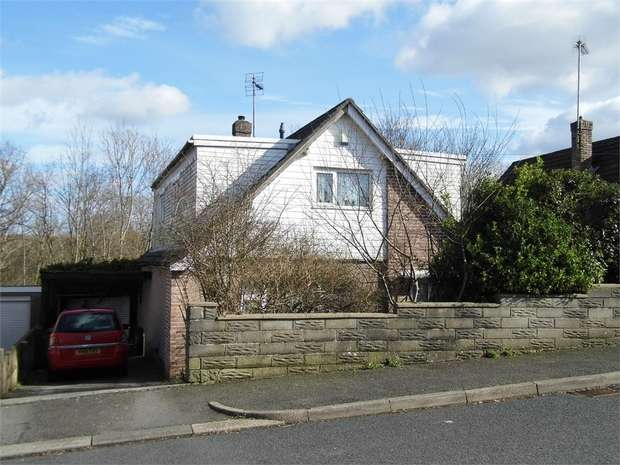 5 Bedrooms Detached Bungalow for sale in Graham Avenue, Pen Y Fai, Bridgend, Mid Glamorgan