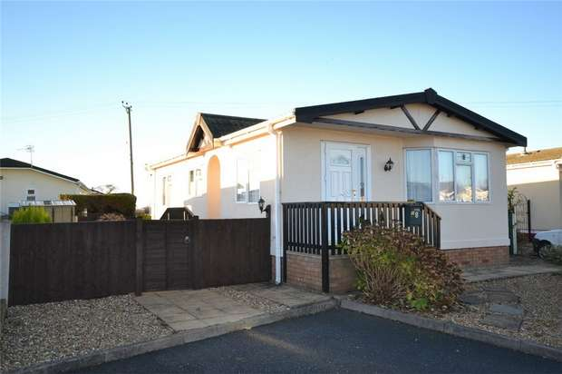 2 Bedrooms Park Home Mobile Home for sale in 8 Old Willow Road, Breton Park, Muxton, Telford, Shropshire
