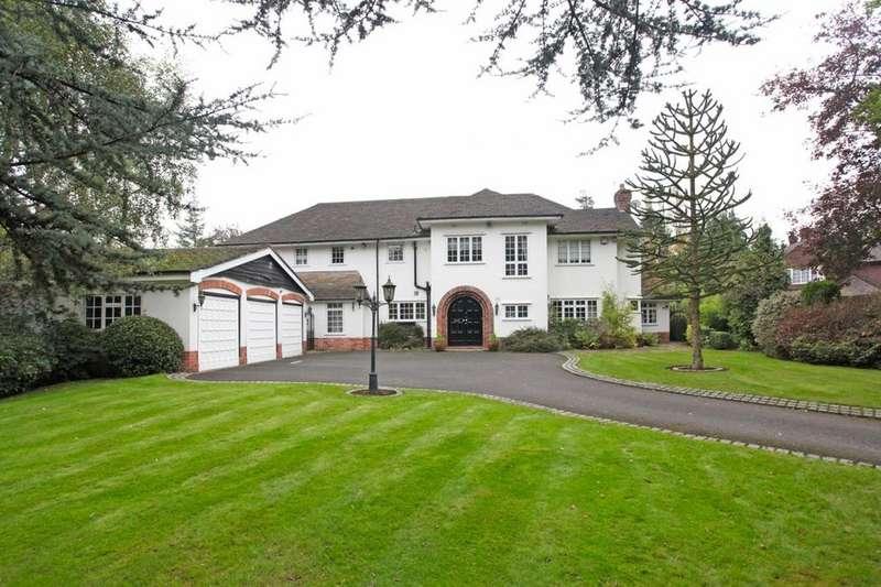 5 Bedrooms Detached House for sale in Carrwood, Hale Barns