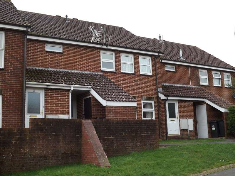 2 Bedrooms Flat for sale in Lockyers Way, Poole