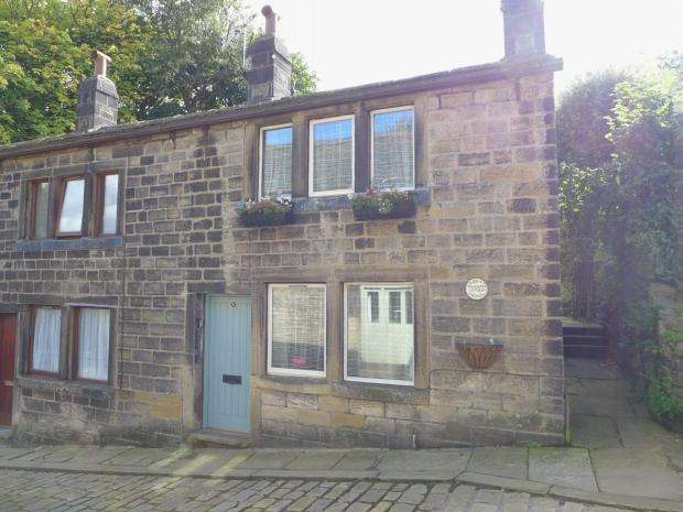 1 Bedroom Semi Detached House for sale in Towngate Calderdale