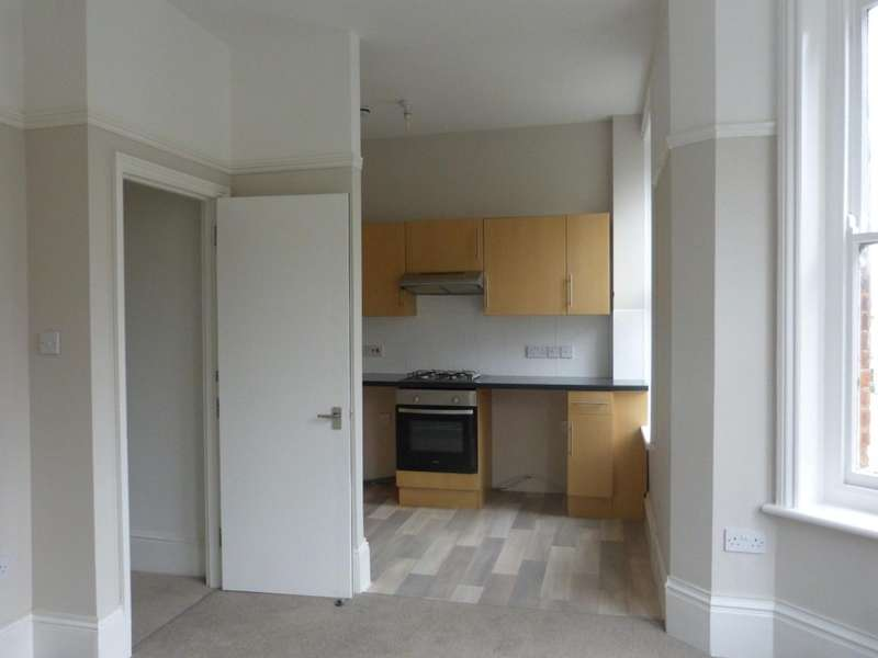 2 Bedrooms Apartment Flat for rent in 199 London Road, ST LEONARDS ON SEA, TN37
