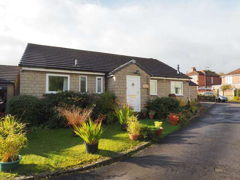 4 Bedrooms Detached Bungalow for sale in The Ridgeways, Hayfield, High Peak, Derbyshire, SK22 2AD