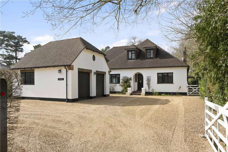 5 Bedrooms Detached House for sale in Forest Road, East Horsley, Leatherhead, Surrey, KT24