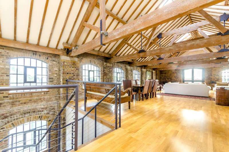 2 Bedrooms Flat for sale in Execution Dock, Wapping, E1W
