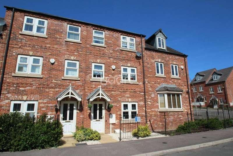 5 Bedrooms Terraced House for sale in Betts Avenue, Hucknall