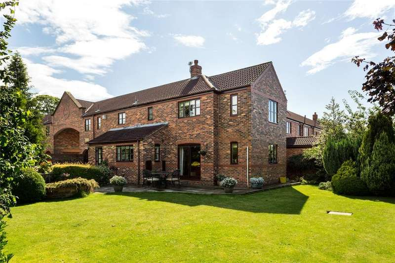 5 Bedrooms Semi Detached House for sale in Villa Court, Upper Poppleton, York, YO26