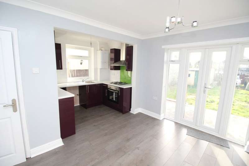 3 Bedrooms Semi Detached House for sale in Bursledon Road, Southampton, SO19