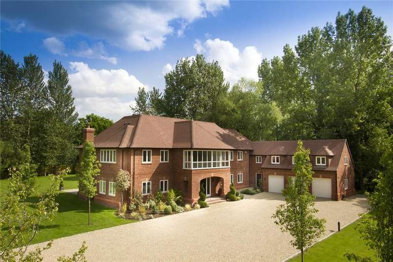 5 Bedrooms Detached House for sale in New Mill Road, Eversley, Hook, Hampshire, RG27