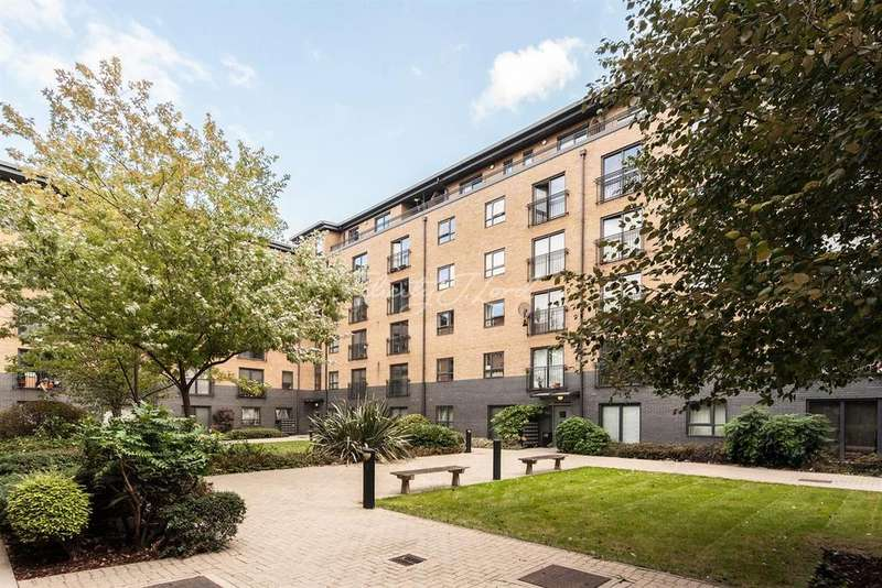 2 Bedrooms Flat for sale in Wealden House, E3