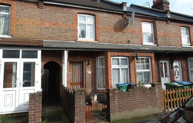 3 Bedrooms Terraced House for sale in Hatfield Road, Watford