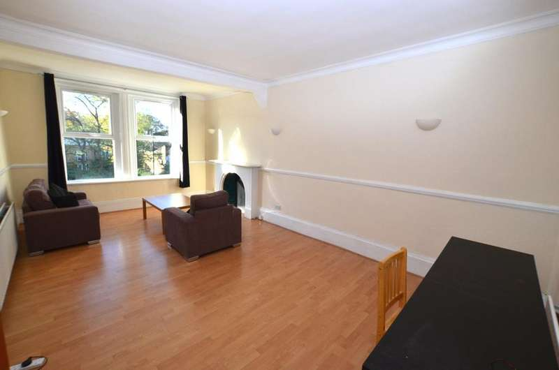 3 Bedrooms Flat for sale in Lordship Lane London SE22