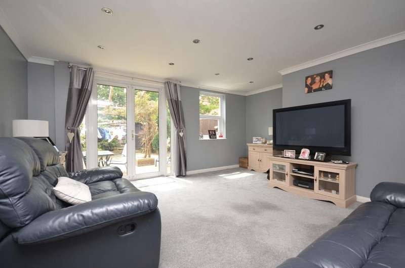 3 Bedrooms Terraced House for sale in Taunton Road Lee SE12