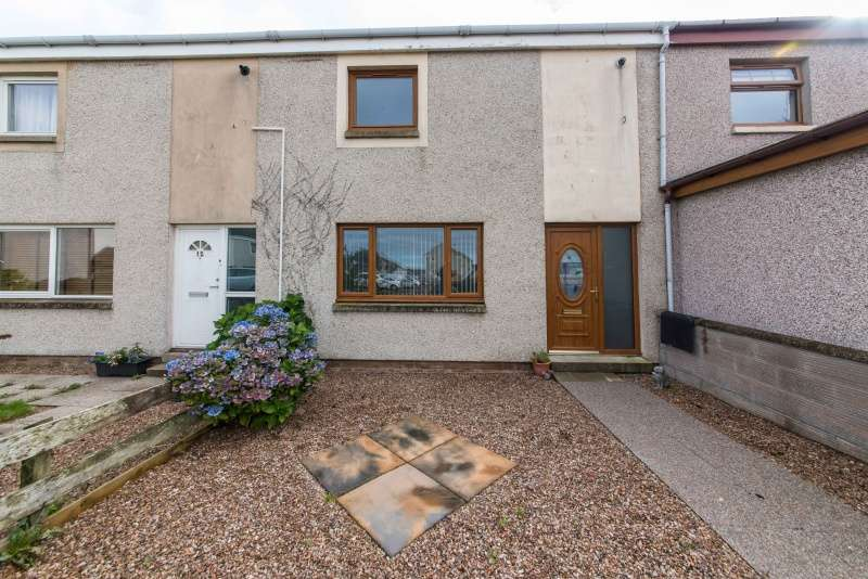 2 Bedrooms Terraced House for sale in Montbletton Place, Macduff, Aberdeenshire, AB44 1PU