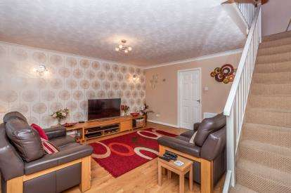3 Bedrooms Terraced House for sale in Moore Street Villas, Gateshead, Tyne and Wear, NE8