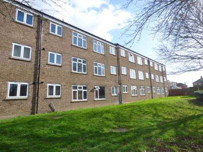 1 Bedroom Flat for sale in Thistle Drive, Stanground, Peterborough, Cambridgeshire