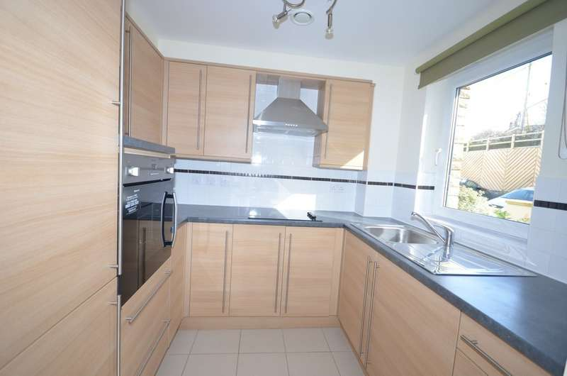 2 Bedrooms Apartment Flat for sale in Tregolls Road, Truro