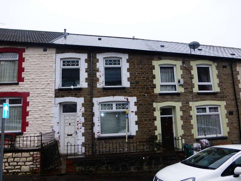 3 Bedrooms Terraced House for sale in Vivian Street, Tylorstown, Ferndale