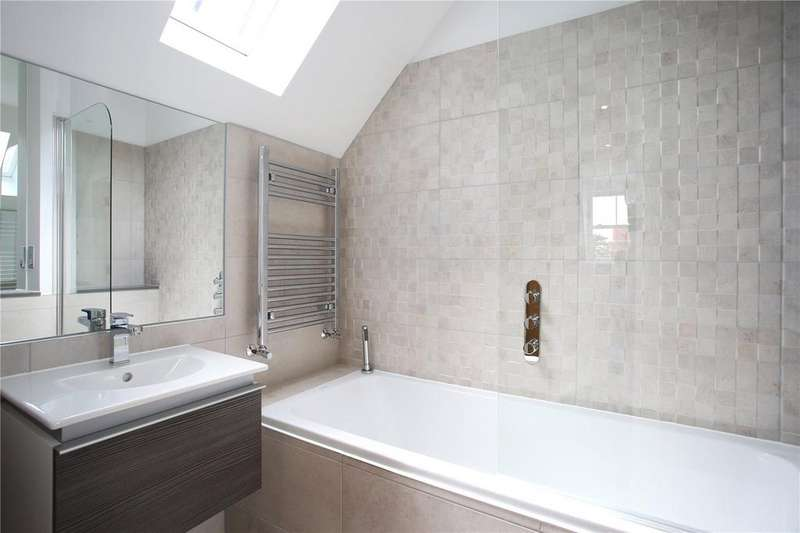 2 Bedrooms Penthouse Flat for sale in Sandridge, 8 Durley Chine Road, Bournemouth, BH2