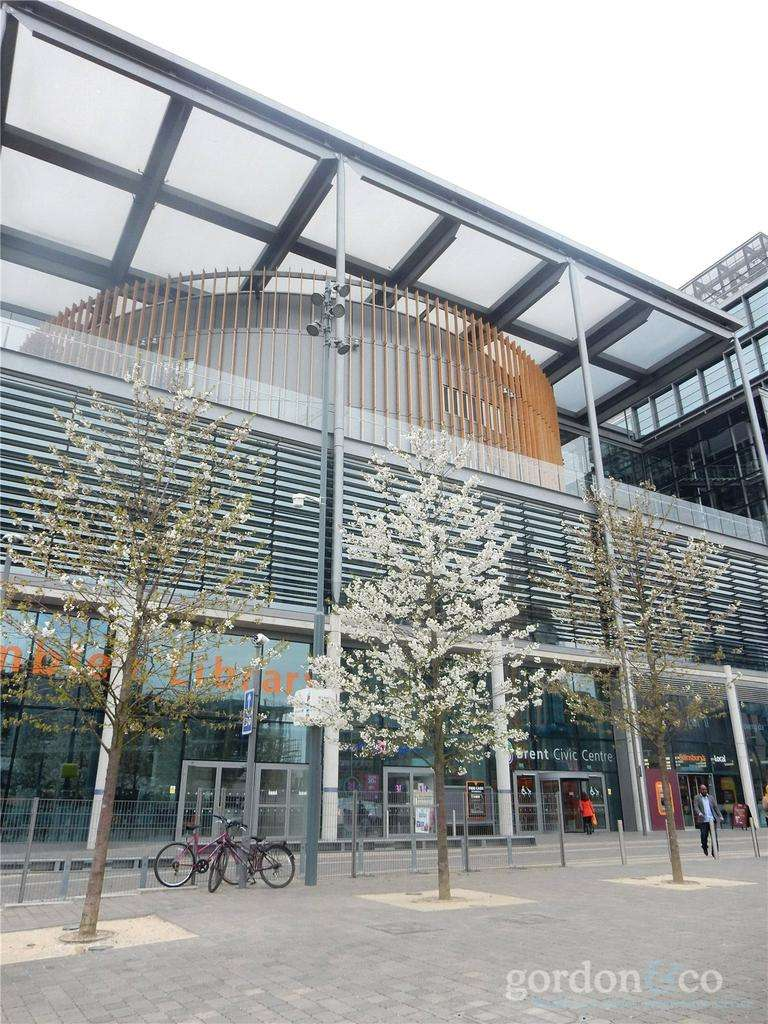2 Bedrooms Flat for sale in North West Village, Wembley, London, HA9
