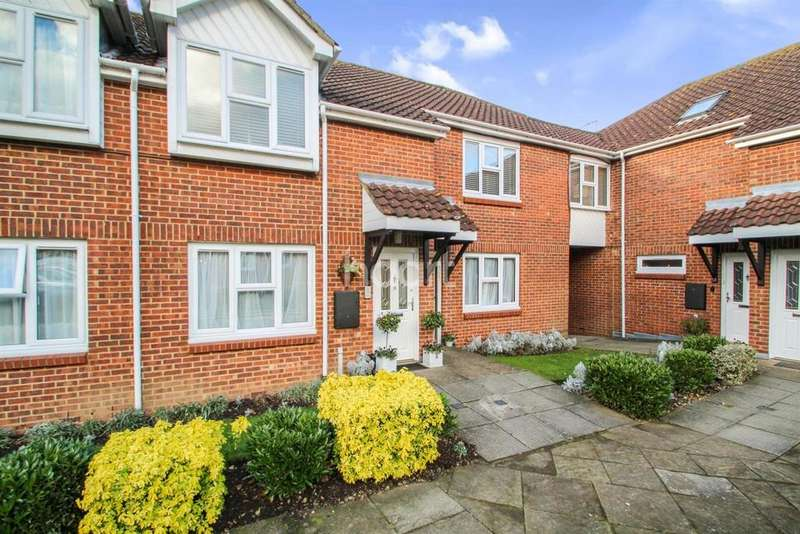 2 Bedrooms Flat for sale in Yew Tree Court, Barnet Lane, Elstree
