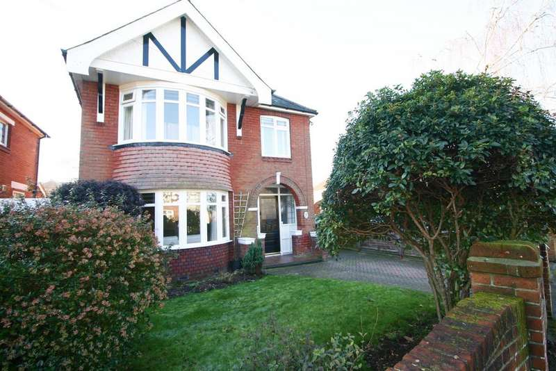 3 Bedrooms Detached House for sale in Longmore Ave, Woolston, Southampton, SO19 9GA