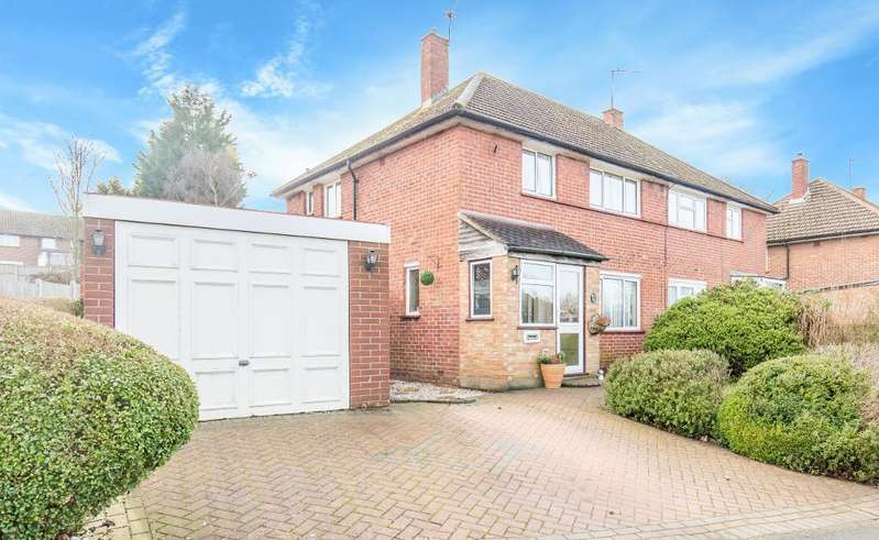 3 Bedrooms Semi Detached House for sale in Calley Down Crescent, Croydon, Surrey, CR0 0EY