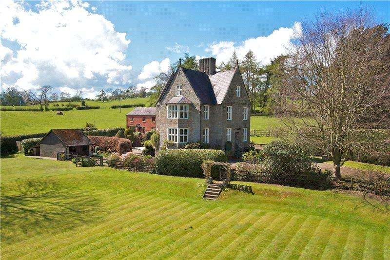 6 Bedrooms Detached House for sale in Mount Road, Oswestry, Shropshire, SY10