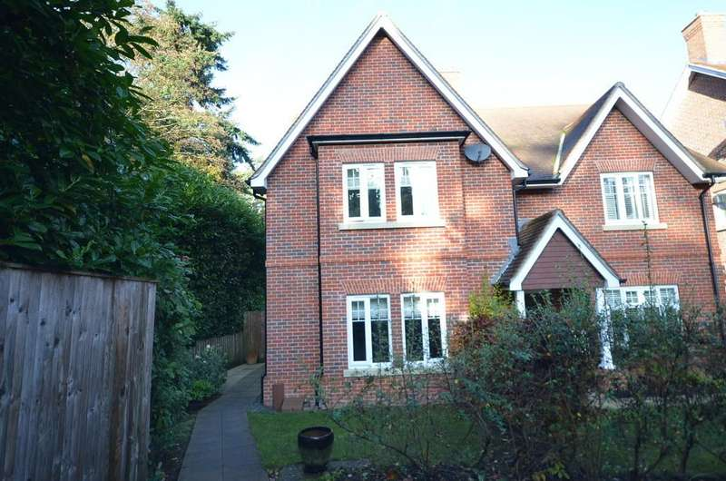 4 Bedrooms Semi Detached House for sale in Copse Way, Hindhead