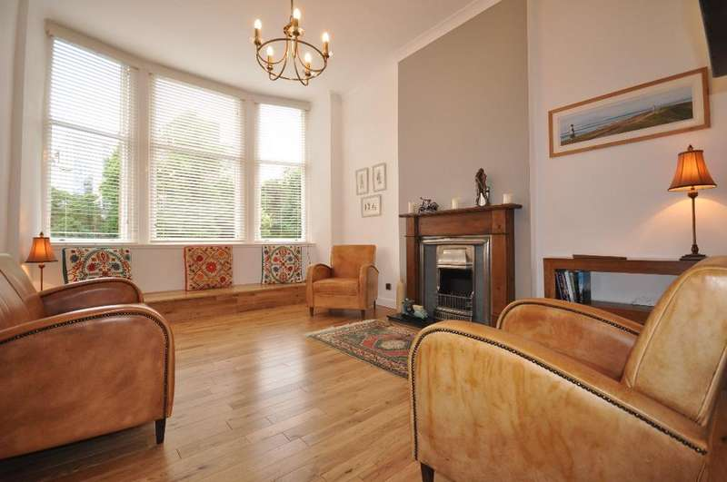 2 Bedrooms Flat for rent in Park Road , Flat 1/3, Park District , Glasgow , G4 9HB