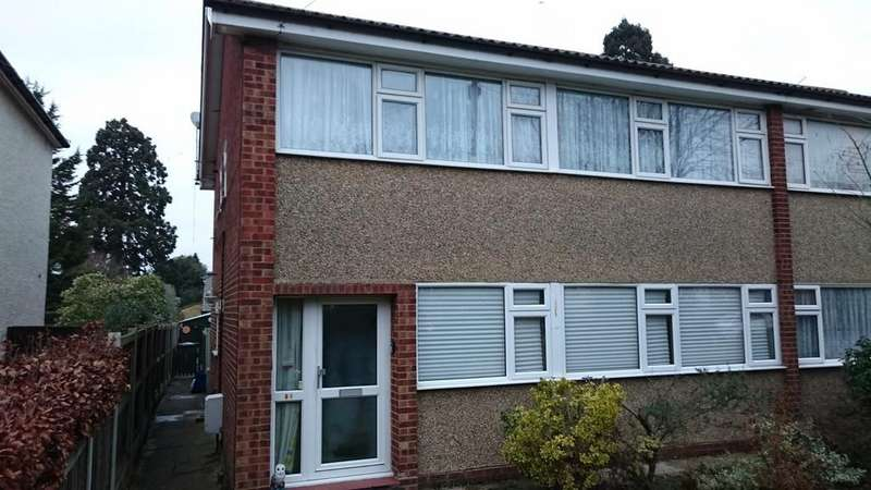 2 Bedrooms Ground Maisonette Flat for sale in St James Avenue, Marden Ash, Ongar