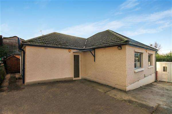 3 Bedrooms Bungalow for sale in Southill Road, Poole